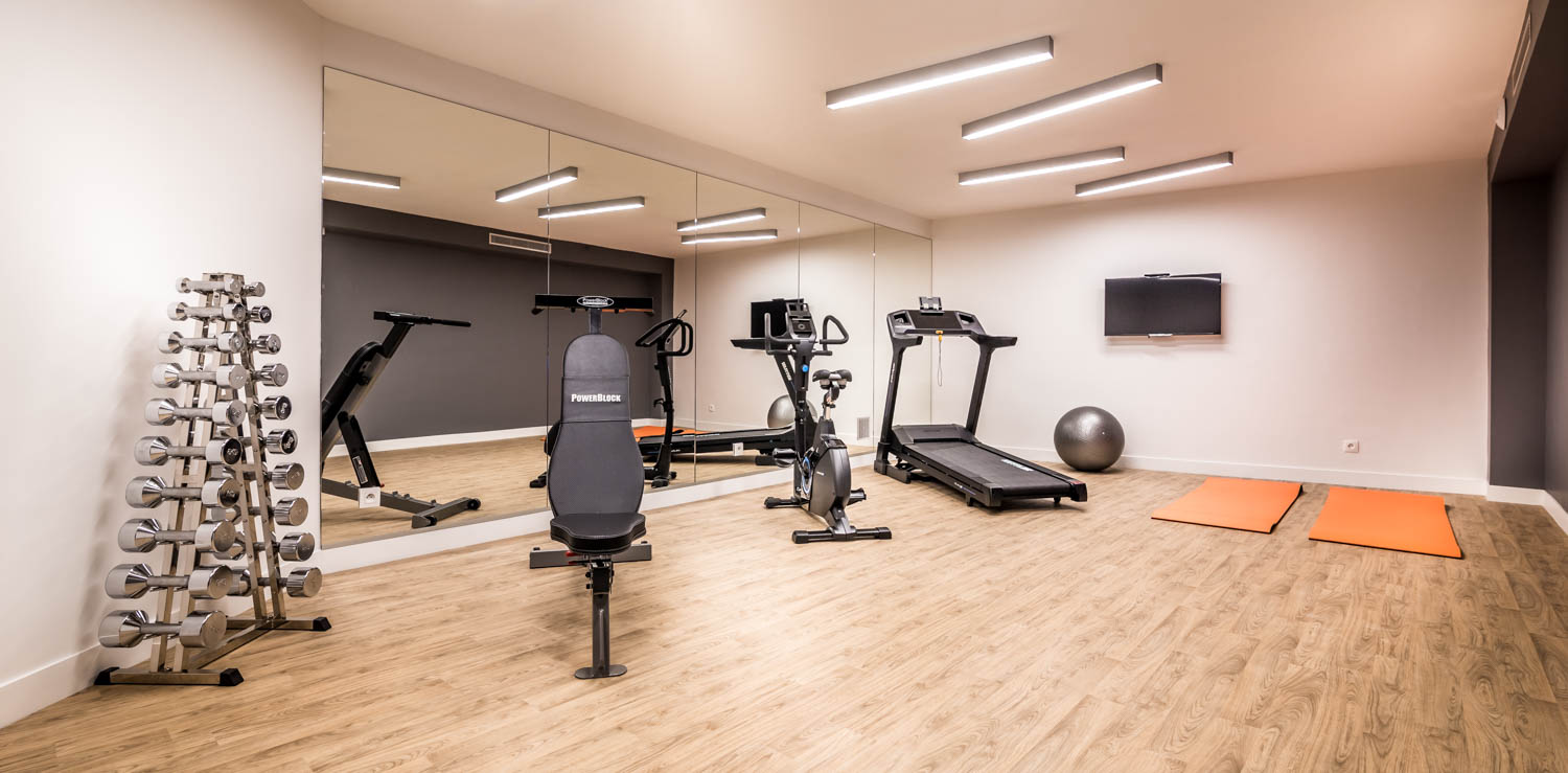 Best Western Premier Marais Grands Boulevards fitness room
